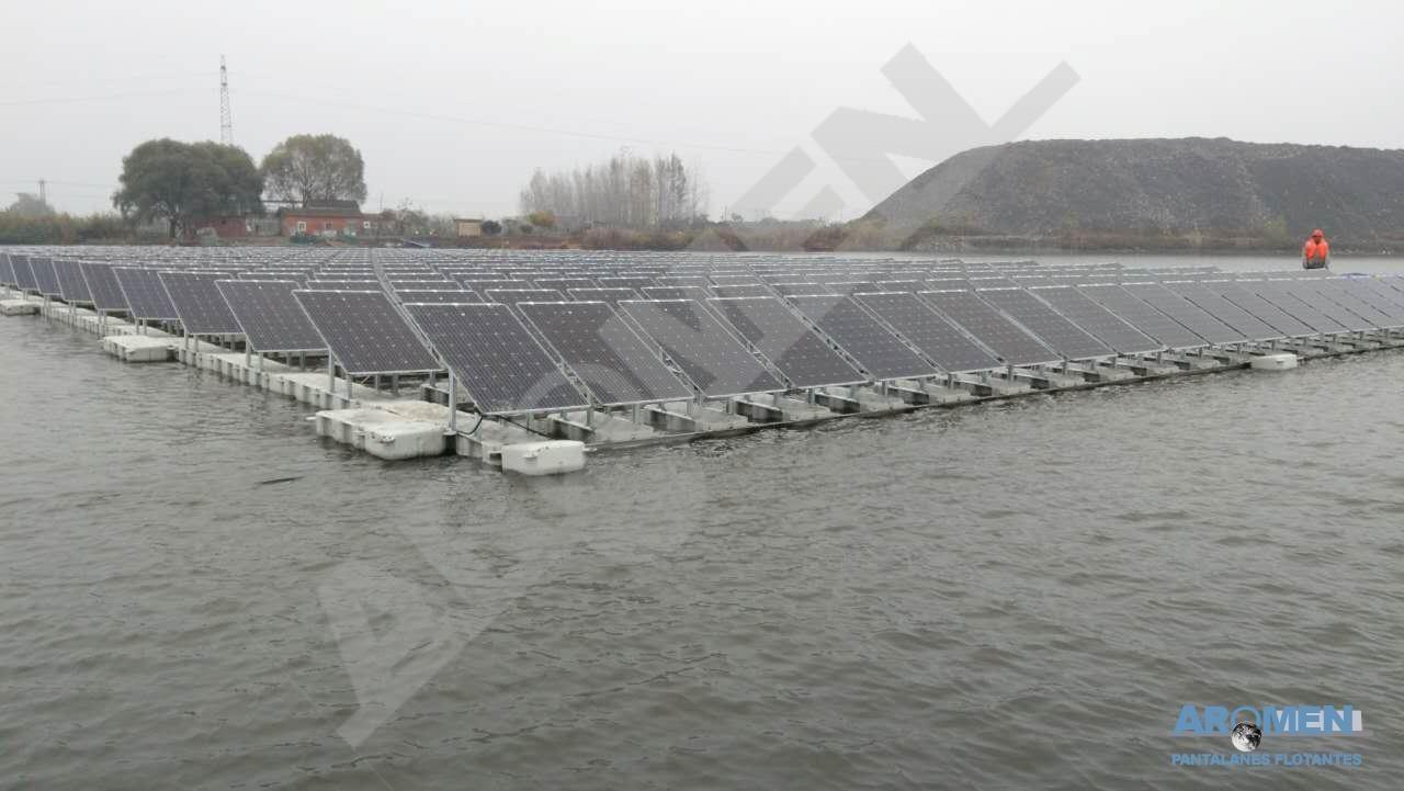planta-solar-flotante-4