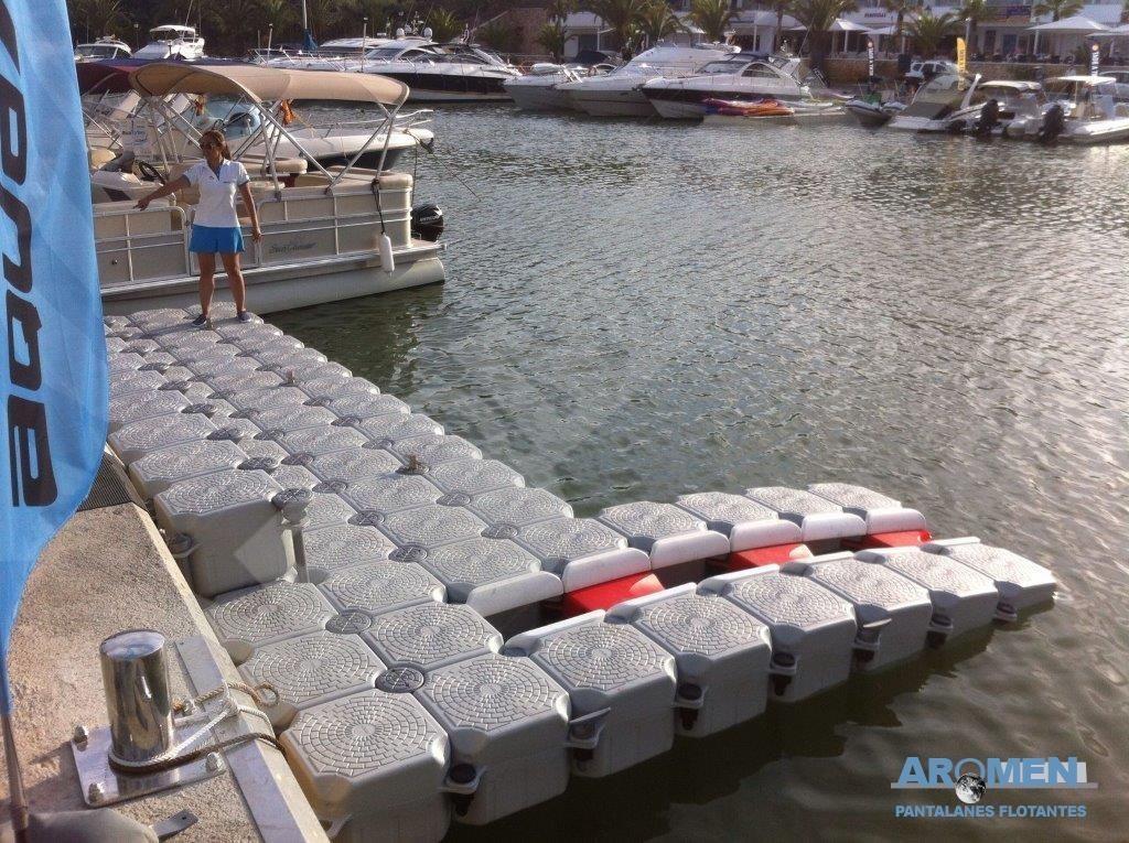 plataforma-con-escalon-y-puerto-moto-agua-cala-dor-10